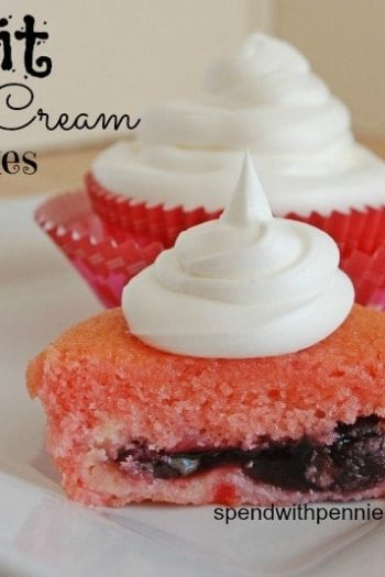 fruit cream cakes with topping