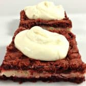 red velvet brownies with topping