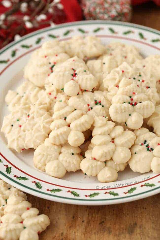 shortbread cookies on a christmas plate