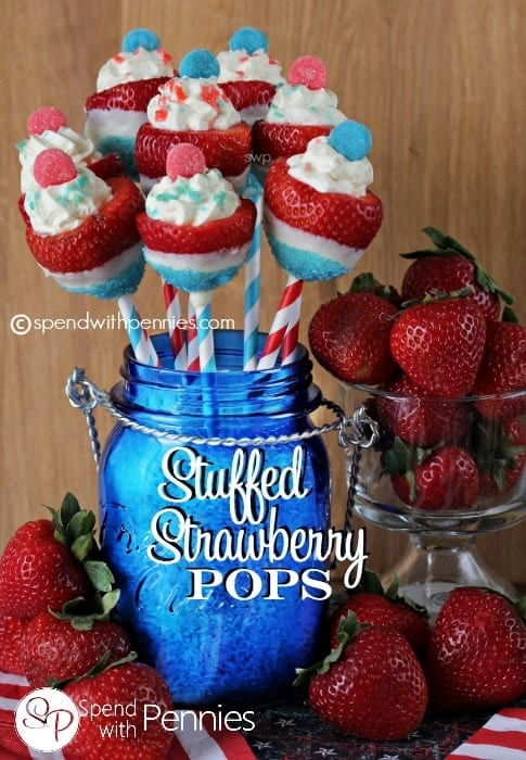 Stuffed Strawberry Pops! Delicious ripe strawberries stuffed with a fluffy vanilla filling! Perfect summer dessert! <3