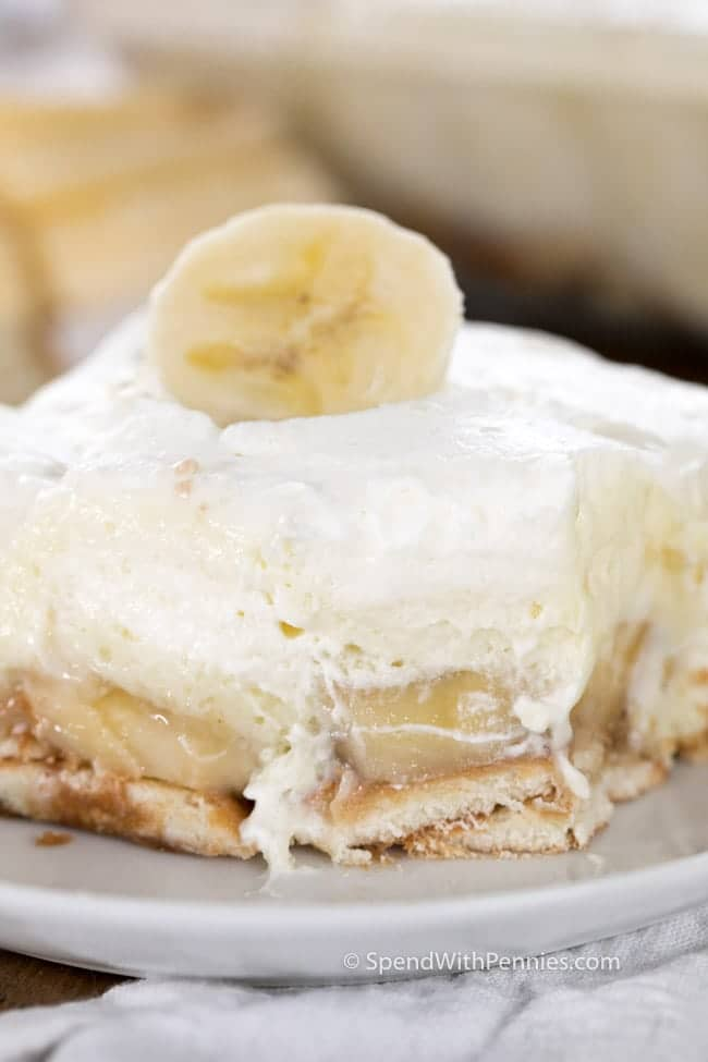This is my FAVORITE dessert! Fresh bananas with creamy pudding, cream cheese and freshly whipped cream make this dessert both rich and luscious at the same time!