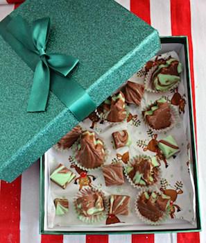 Mint-Chocolate-Swirled-Fudge-a-great-Christmas-gift
