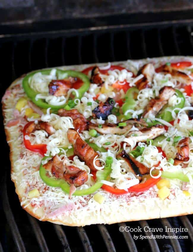 Hawaiian Chicken Grilled Pizza! Total pizza perfection on the grill ...