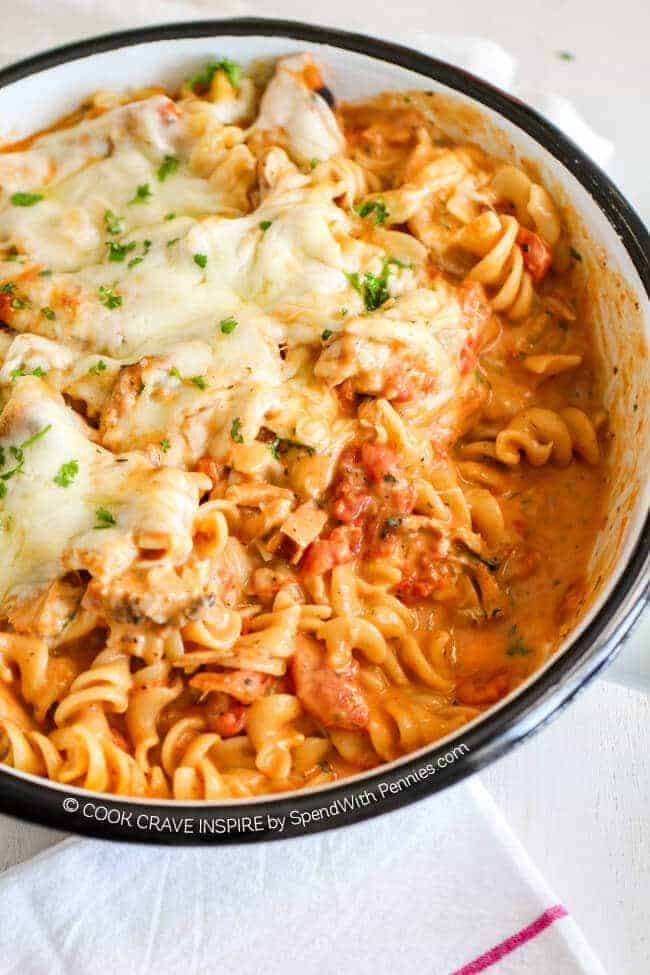 One Pot Creamy Tomato Pasta! This is one of my favorite one pot pasta ...