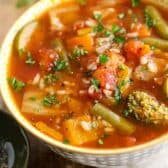 21 Day Fix approved Vegetable Rice Soup with parsley