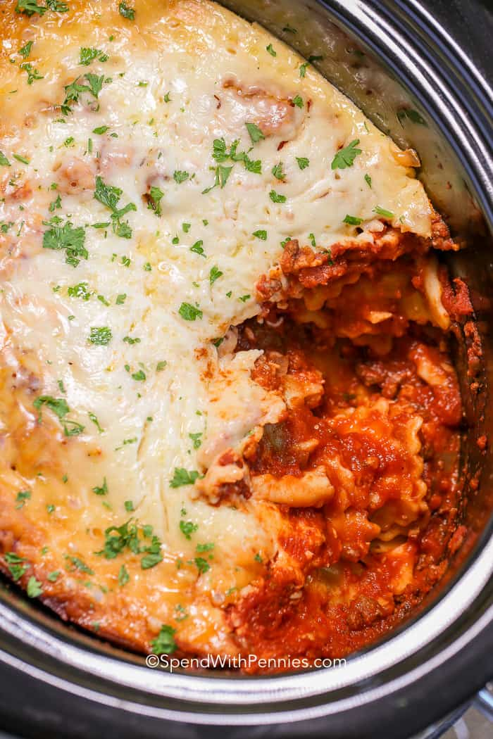 Easy Lasagna in Slow Cooker (Crock Pot)