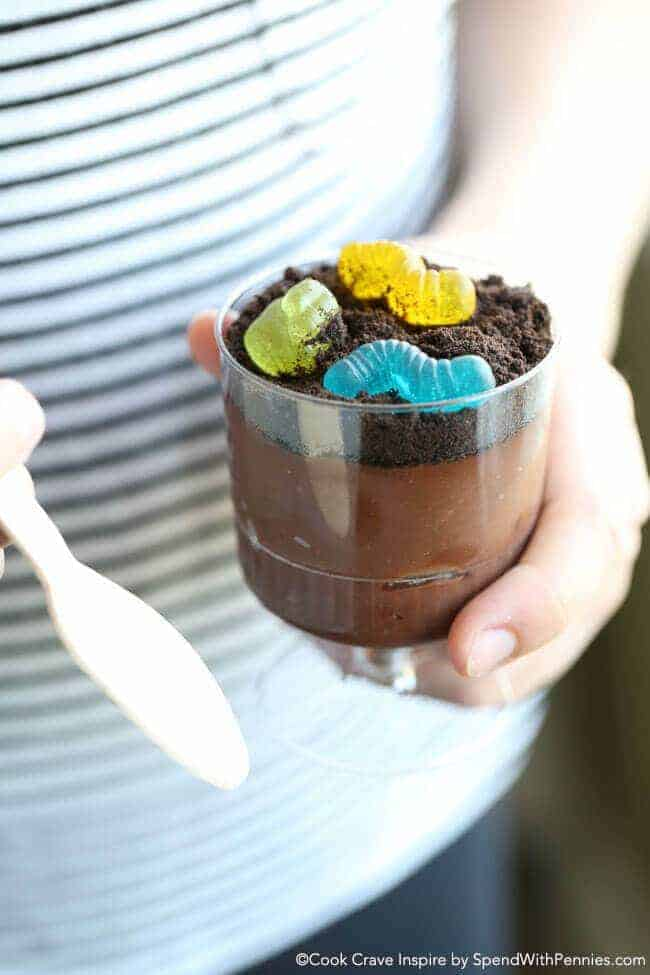 These Oreo Dirt cups take just 5 minutes to prepare and it's as easy as mix, layer, top! The perfect dessert for any day of the week!
