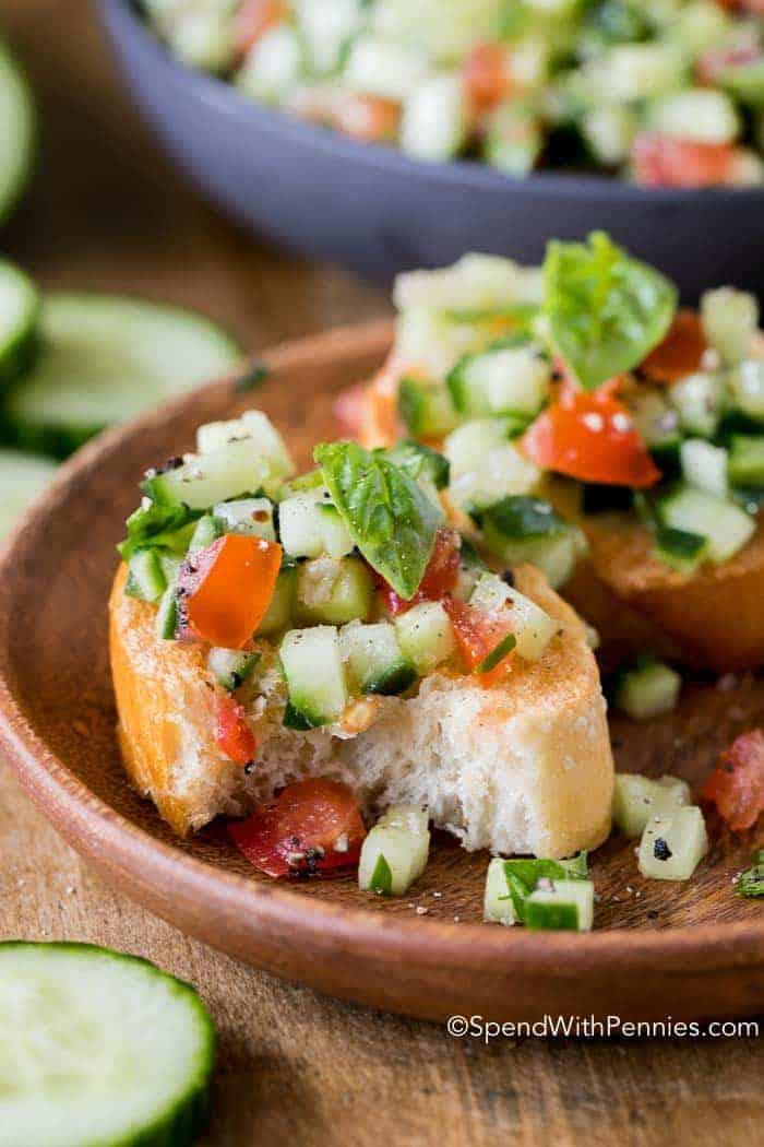 Cucumber Bruschetta with bread pieces