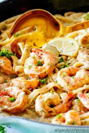 Lemon Garlic Shrimp Fettuccine with lemon wedge