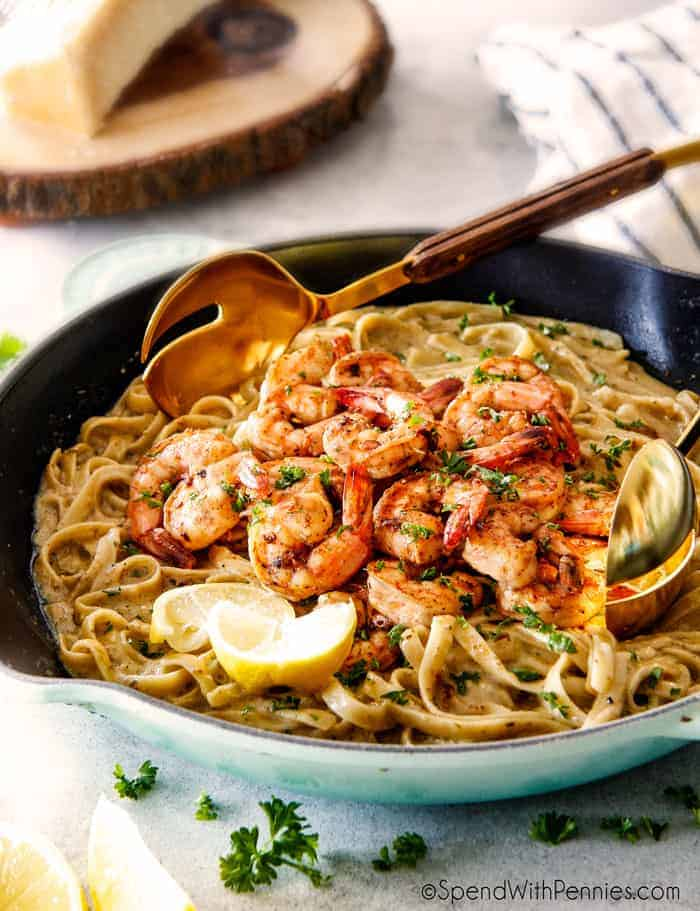 Lemon Garlic Shrimp Fettuccine is a luxurious tasting meal that comes together at a moment's notice!