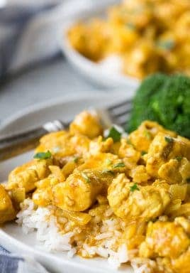 Easy curry chicken with yellow and red curry
