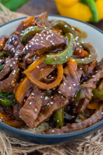 Easy Pepper Steak in a navy blue bowl
