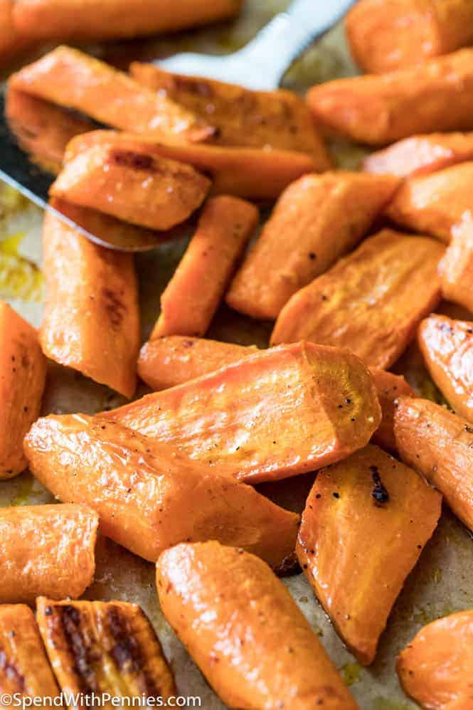 Freshly roasted carrots - an easy side dish