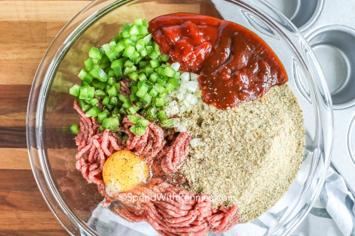 Meatloaf muffin ingredients in a bowl.