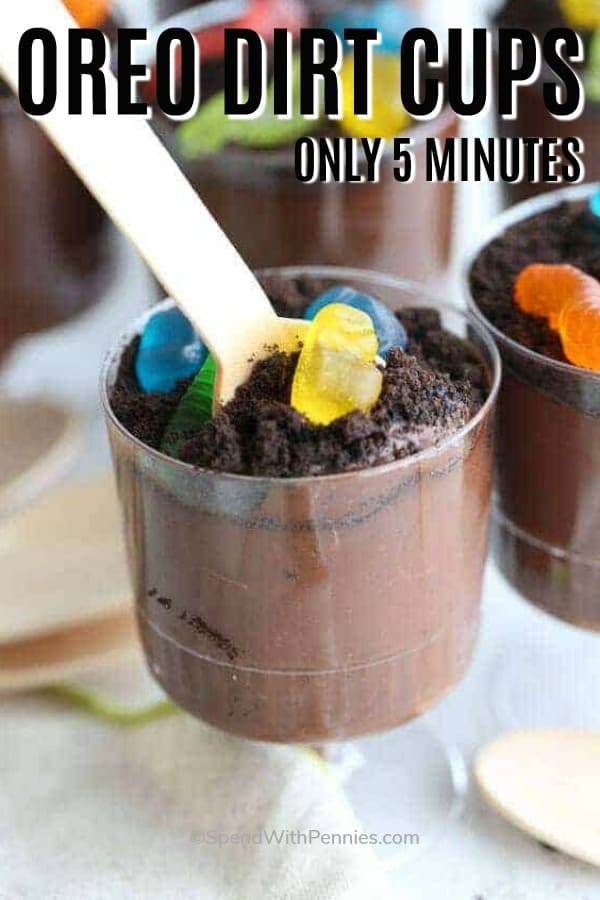 oreo dirt cup in clear cup with gummy worms
