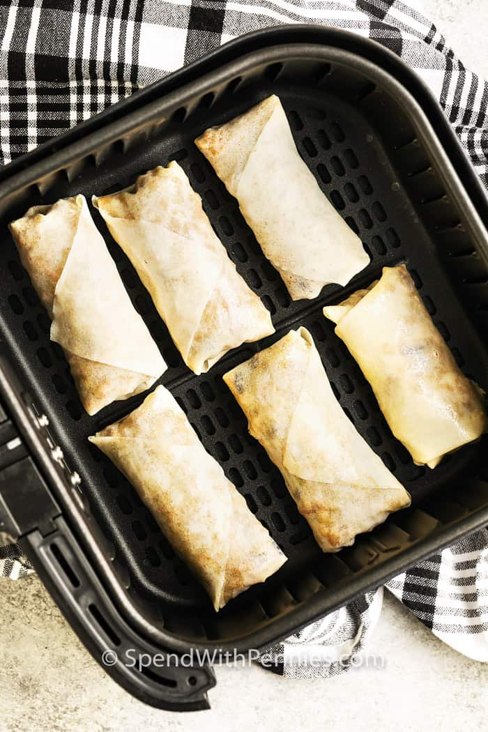 Air Fryer Egg Roll in the airfryer