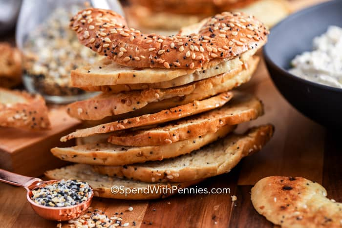Bagel Chips with seasoning and dip