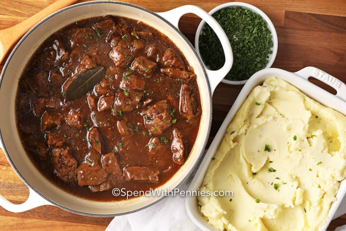 Beef Tips & Gravy with mashed potatoes