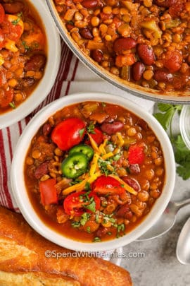Lentil Chili with bread