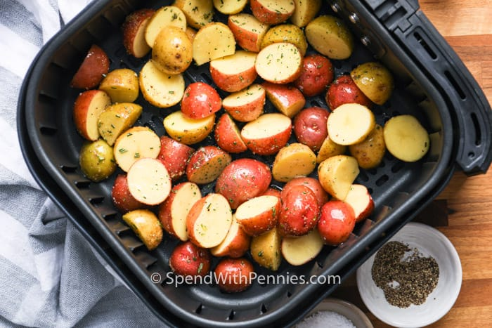 seasoned potatoes in an air fryer