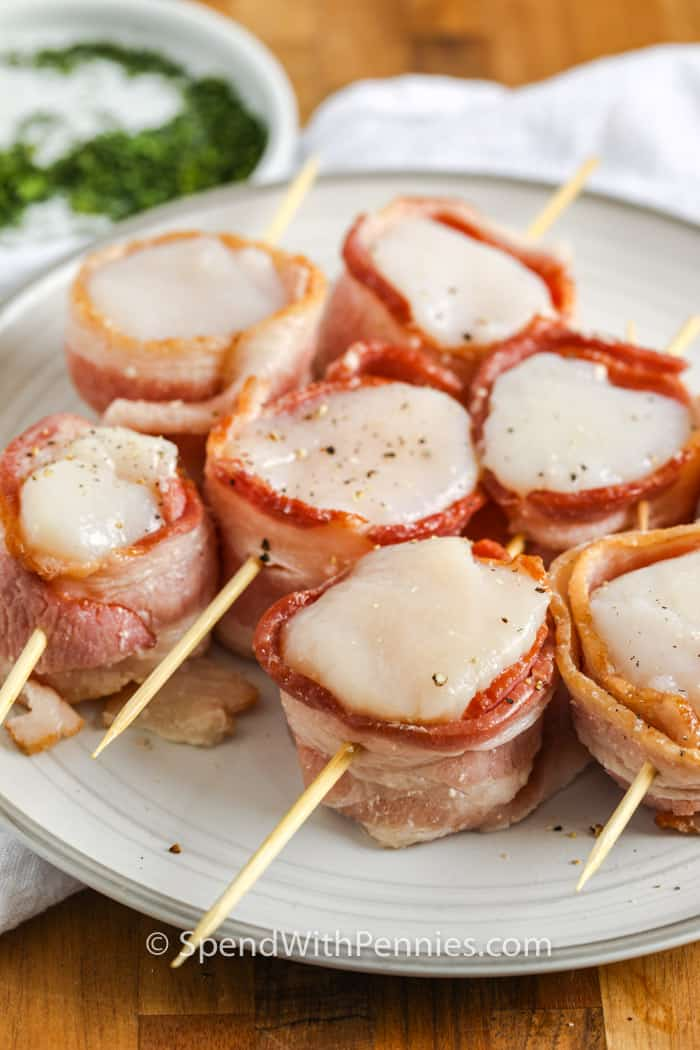Bacon Wrapped Scallops before brushing with butter