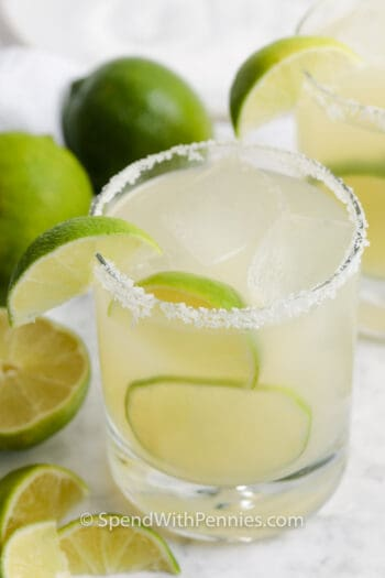 Margarita in a glass with limes