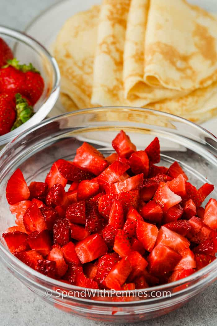 ingredients to make Strawberry Crepes