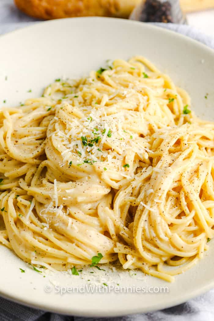 Cacio e Pepe after cooking on a plate