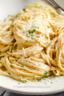close up of Cacio e Pepe on a plate