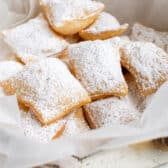 Sopapillas with icing sugar
