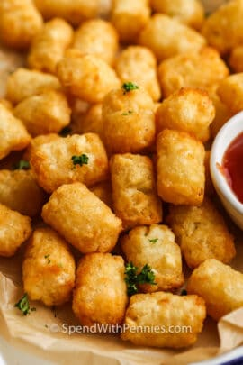 close up of Air Fryer Frozen Tater Tots on a plate