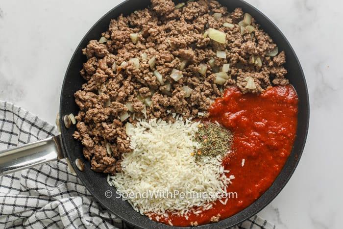 ingrediënten koken om met de Air Fryer gevulde paprika's te maken