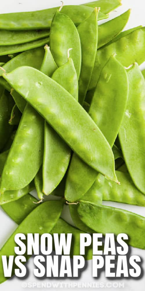 close up of peas to show the difference between Snow Peas vs Snap Peas