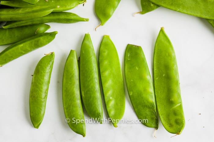 top view of peas to show Snow Peas vs Snap Peas