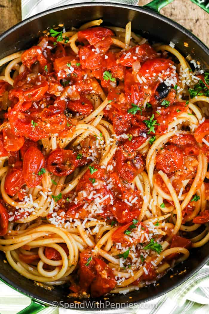 Bucatini with Fresh Tomato Sauce in the pan cooked