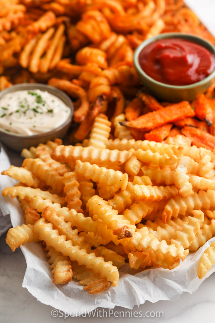 close up of cooked fries to show different types of Air Fryer Frozen French Fries